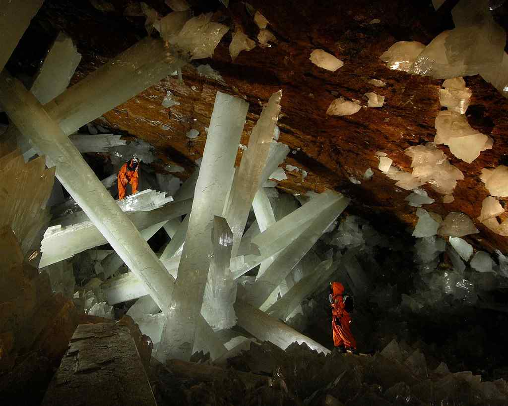 Caves Of The Crystals