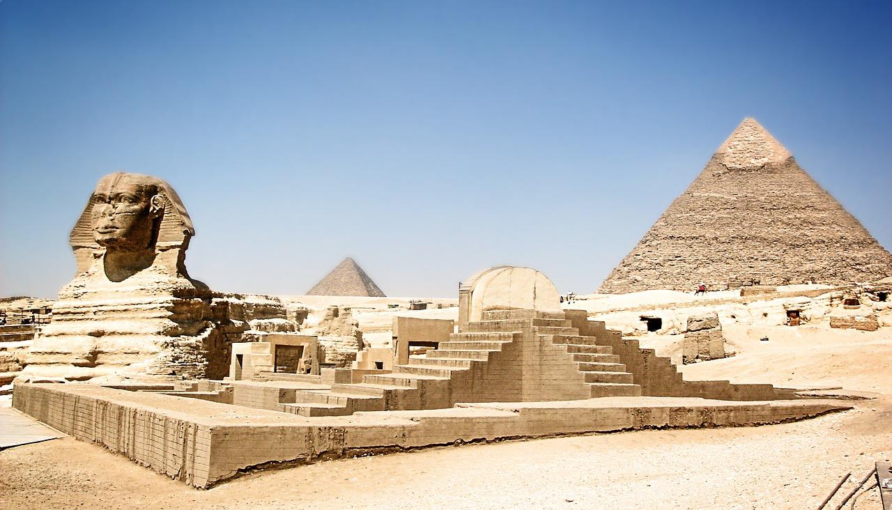 Top 10 most famous monuments of ancient egypt for Great pictures of the world