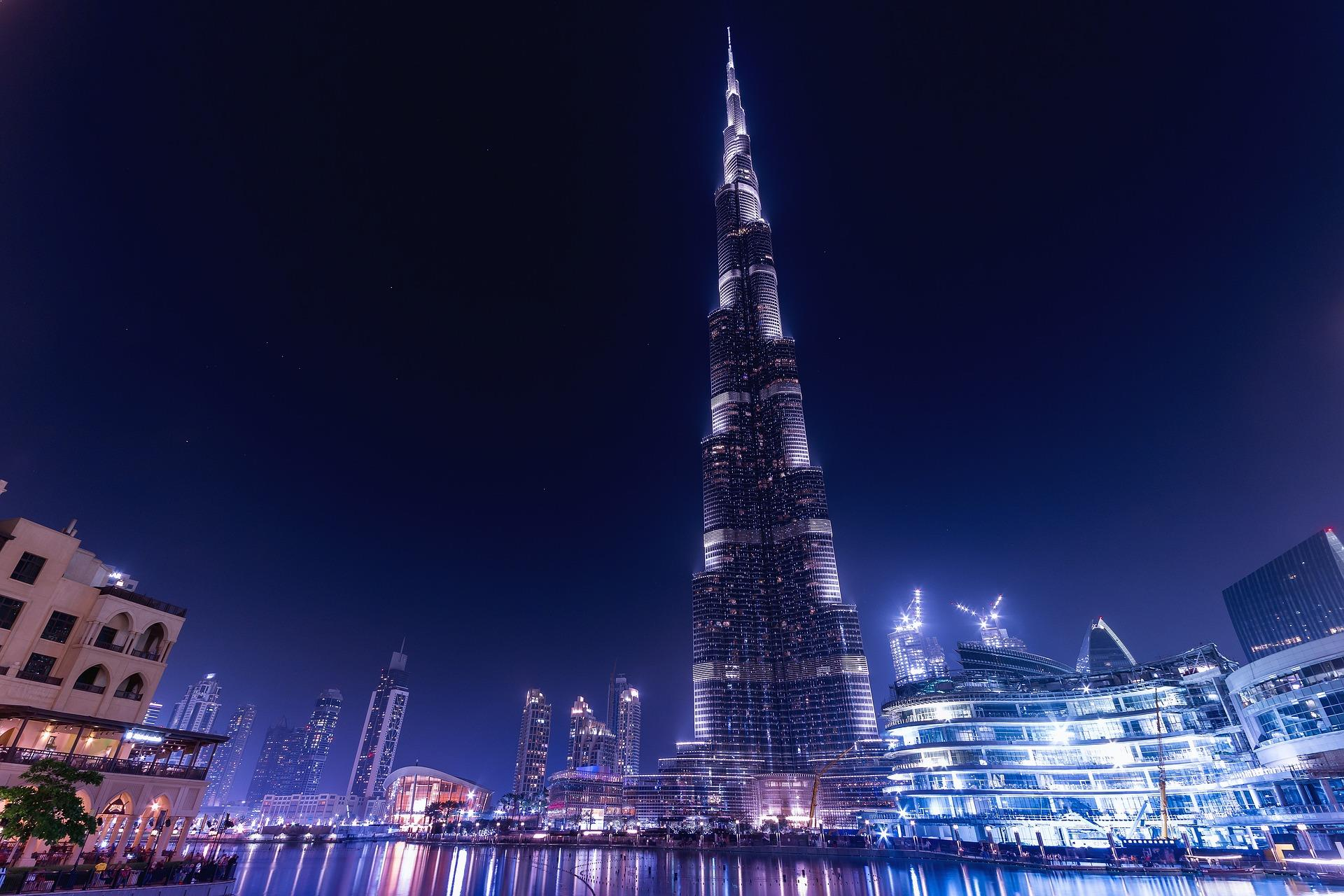 advantages of having burj khalifa built If you are building the tallest building in the world then as a civil engineer you don't think about the advantages or disadvantages you just evaluate the hindrances and try to overcome them however some advantages can be there such as more number of storeys means more carpet area which can be.